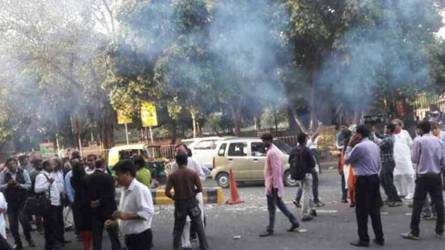 14 protesters detained for bursting fire crackers outside supreme court