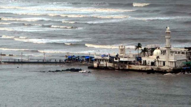 supreme court  defers hearing over entry of women in Haji ali dargah to 17 october