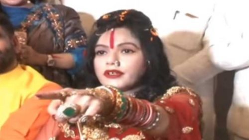 Radhe Maa gets violent on Journalist who quizzed over black magic said she will see them in 15 days