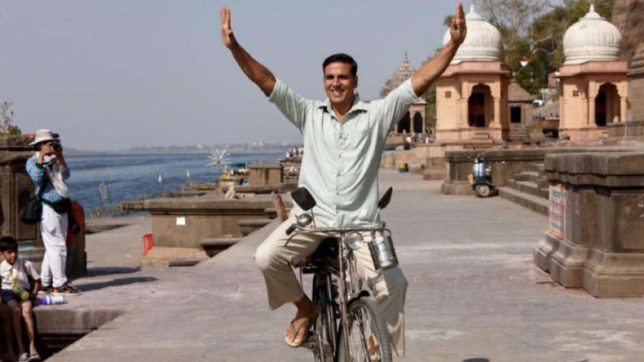 Padman-Akshay-Kumar-bicycle