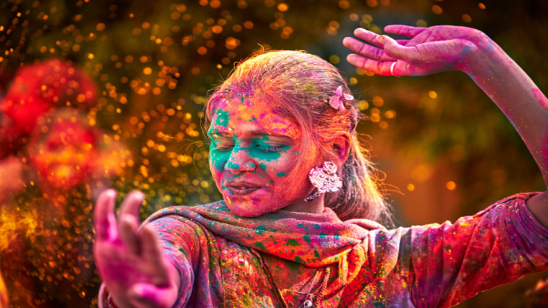 Happy Holi messages and wishes in Marathi for 2018