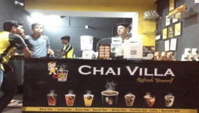 Leave package of 15 lakhs Engineer couple opened 'Chai Villa tea shop at Nagpur-2
