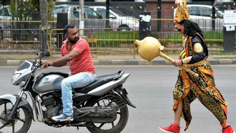 Bengaluru-traffic-police-use-Yamaraj-to-warn-motorists