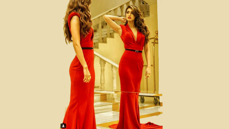 Disha-Patani-in-red-gown