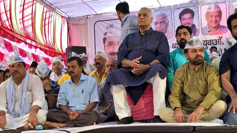 Former bjp minister yashwant sinha likely to be aam aadmi party aap candidate