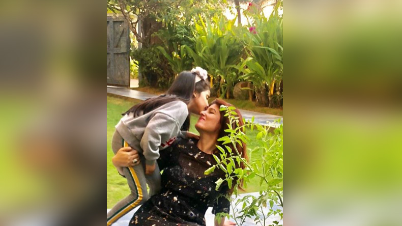 Twinkle-Khanna-Daughter-Nitara-Photos