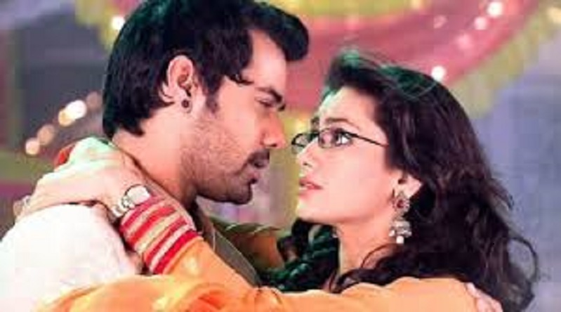 Kumkum Bhagya 17 April 2019 Full Episode Written Updates: will abhi help prachi in strange city