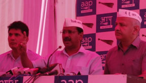 Arvind kejriwal Attacked Slapped in Roadshow Truth