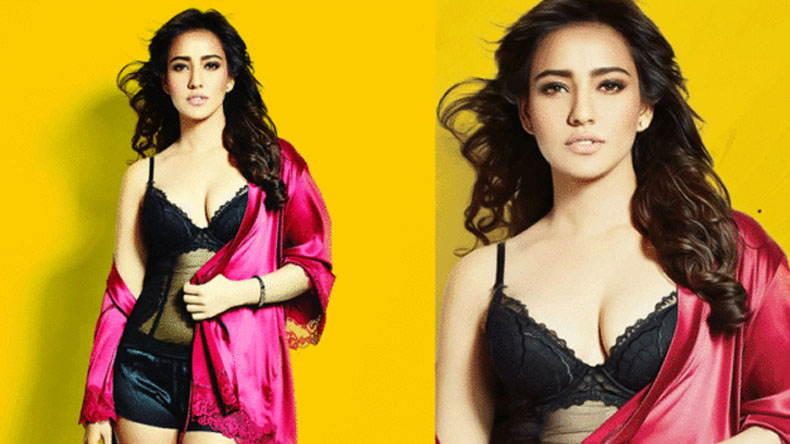 Neha Sharma bold sultry video fire internet